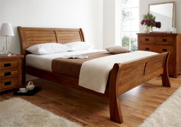 Fabulous Sleigh Bed In Lovely Natural Wood