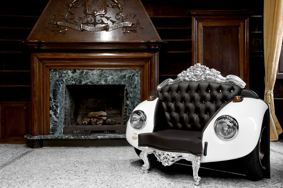 Glamour Beetle Armchair Glamour Beetle Armchair: Unconventional Style meets Bold Baroque!