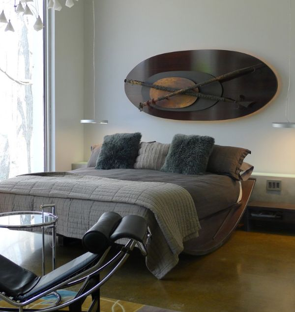 Gorgeous sleigh bed with some Italian improvisation!