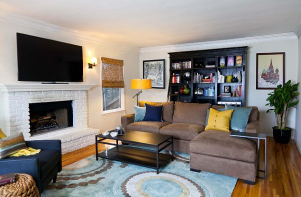 Hip bachelor pad with accents of yellow and blue