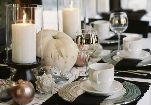 Beautiful Thanksgiving table in black and white