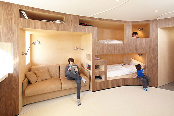 Charmant View In Gallery Innovative Wooden Wall With Several Bunk Beds