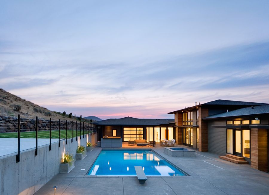 Large pool area and deck space of the Badger Mountain House
