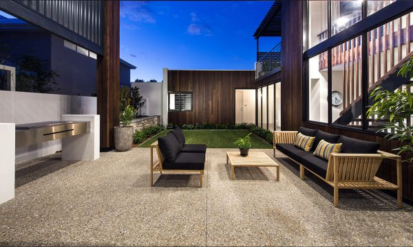 Ravishing Perth Residence Sports Sleek Design And A Sizzling Courtyard
