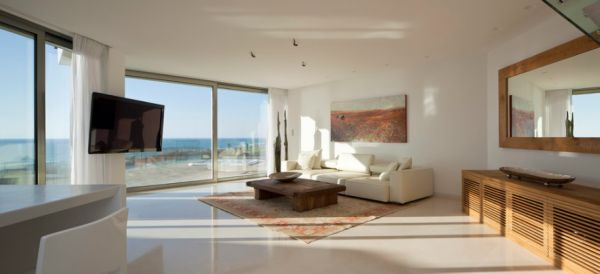 Minimalist bachelor pad with unabated ocean views