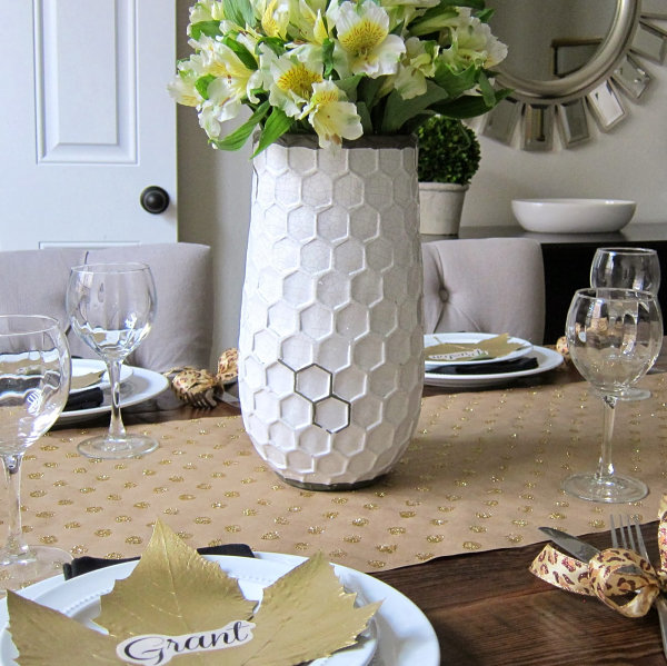 Modern elegant Thanksgiving table