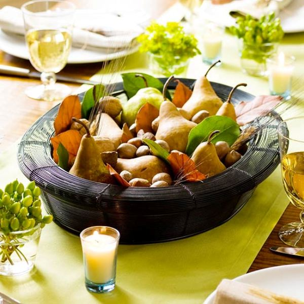 Natural Thanksgiving centerpieces are easy to create