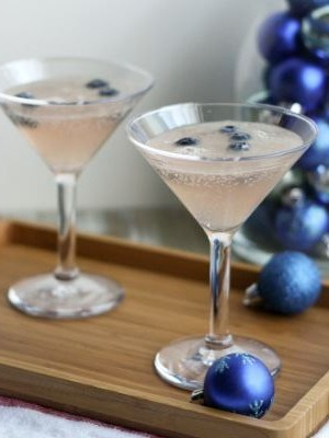 Nonalcoholic holiday drink