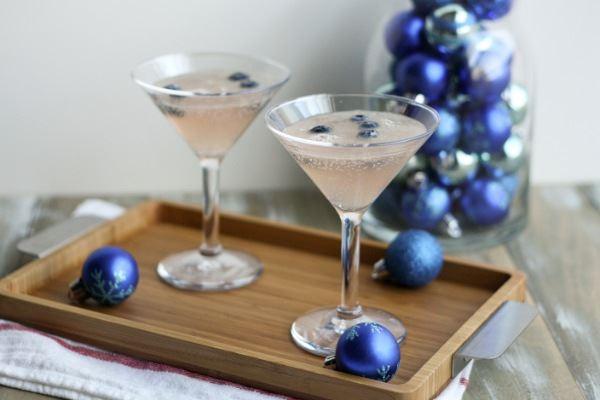 Nonalcoholic holiday drink