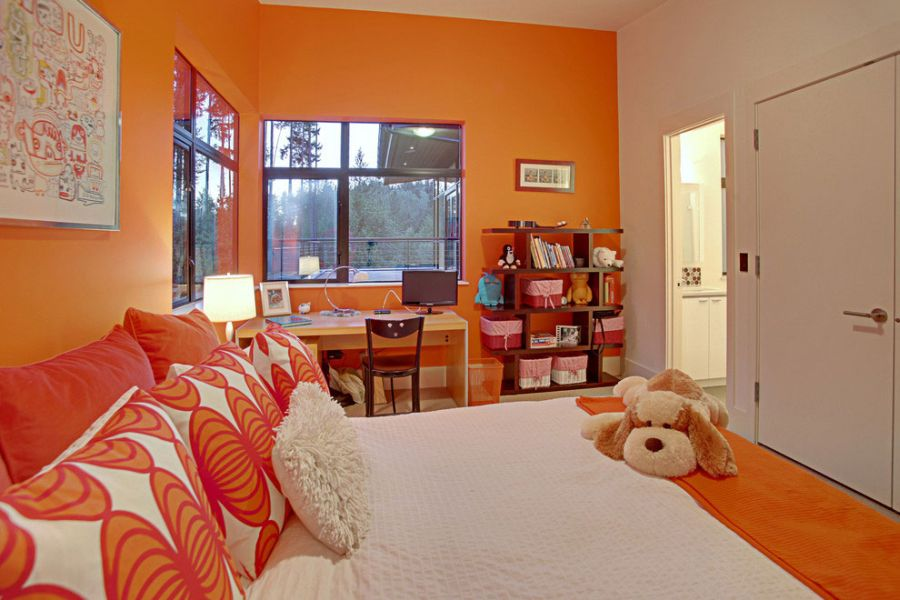 Orange kids' bedroom design