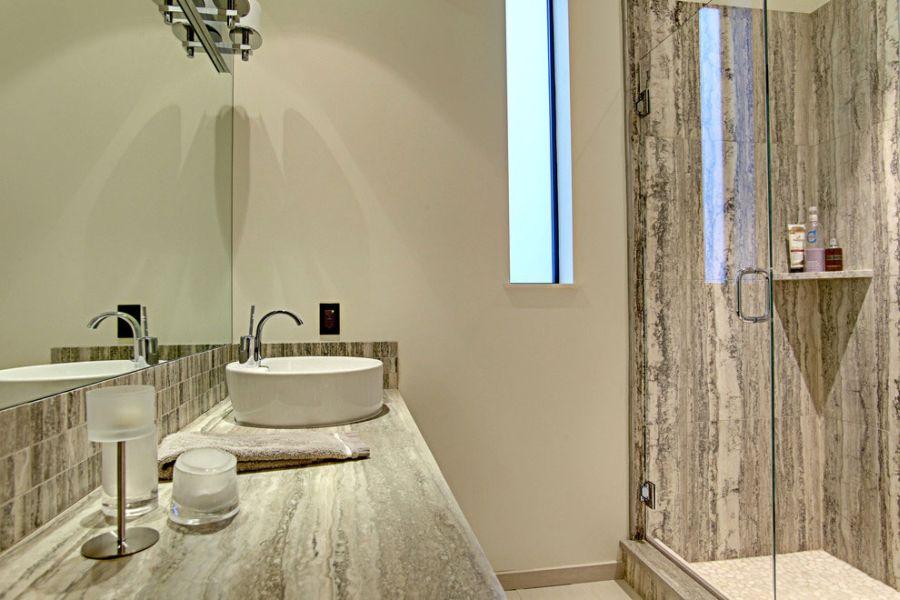 Plush modern bathroom