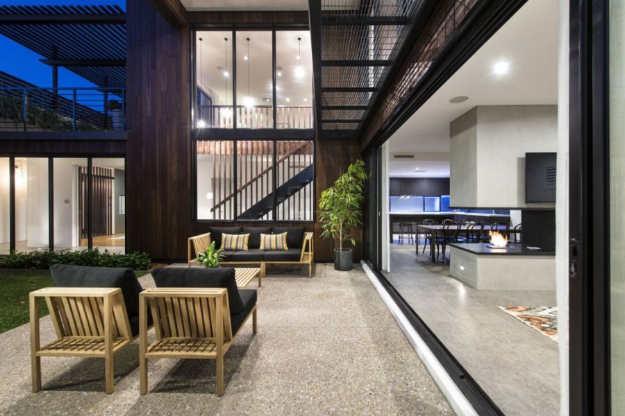 Private courtyard of the Contemporary Perth Residence