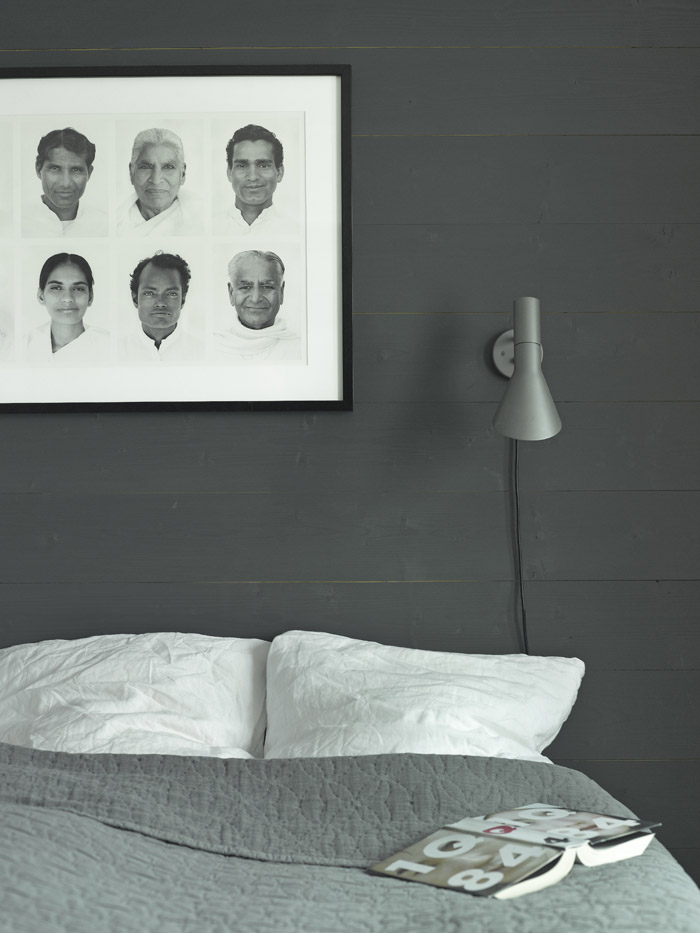 Sconce lighting for reading in the bed