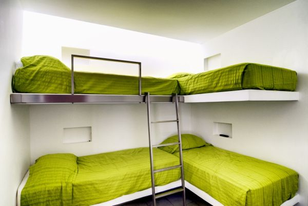 50 modern bunk bed ideas for small bedrooms - Double deck bed designs for small spaces pict ...
