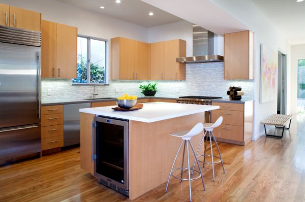 How to design a beautiful and functional kitchen island for Small kitchen designs with island