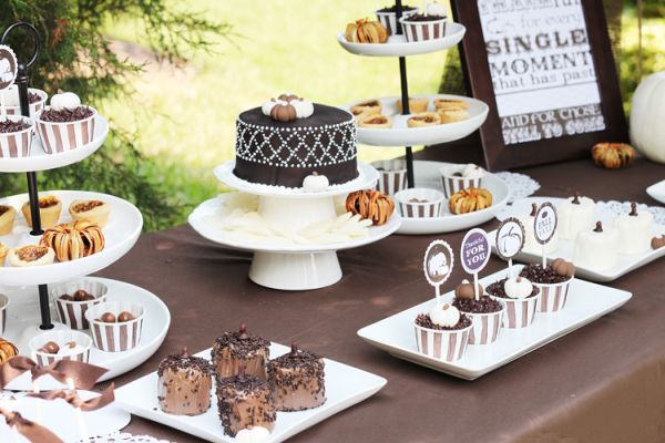 Use a predominantly black and white color scheme for desserts