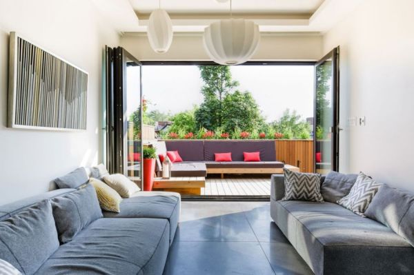 Charming Montreal Residence Showcases An Exquisite Terrace