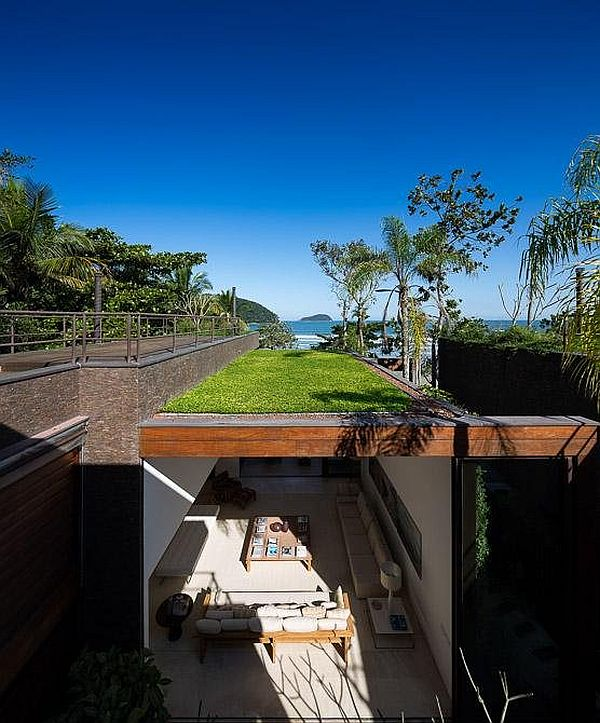 green roof house - brazil