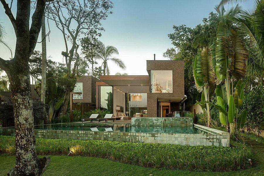 house blends in with nature Architectural Beauty Blends With The Nature in Brazil