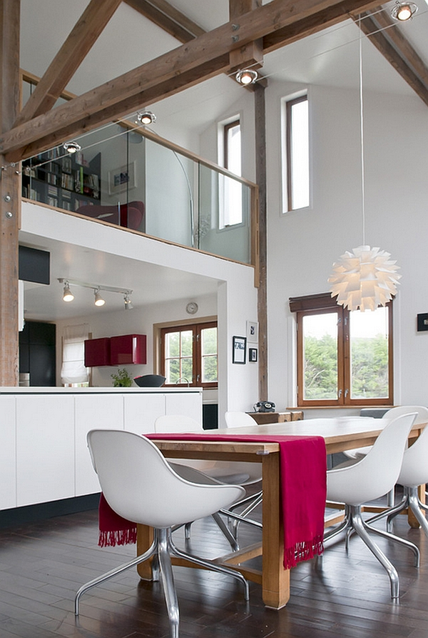Accents of Fuchsia carefully placed across the kitchen and dining area