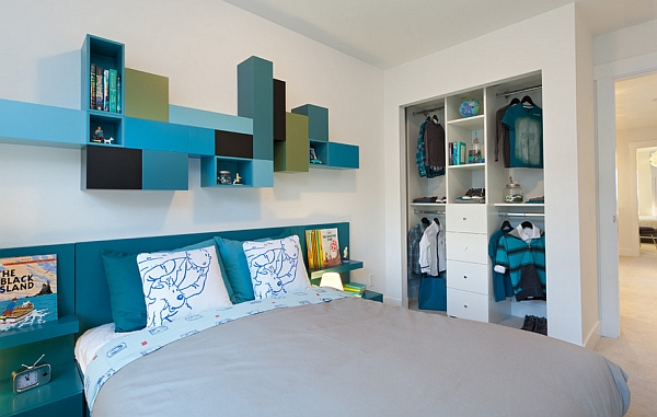 Blending several shades and tones of blue is also a trendy approach