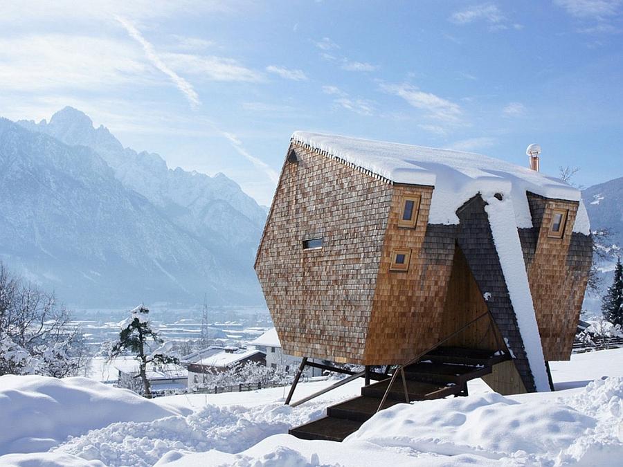 Breathtaking mountain views outside Austrian retreat