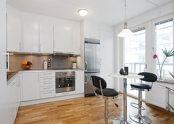 Bright studio apartment kitchen
