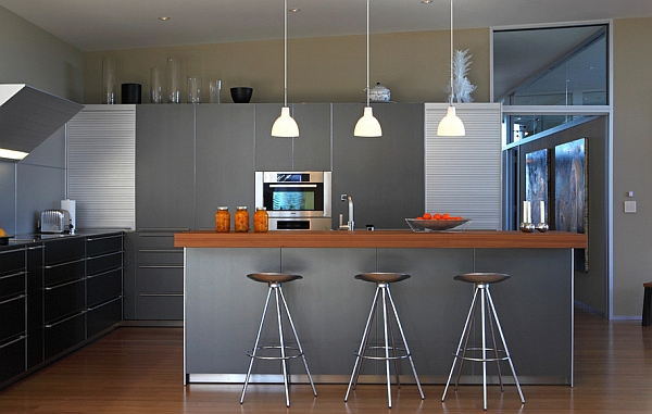 View In Gallery Brilliant Modern Kitchen With Plenty Of Metallic Hues
