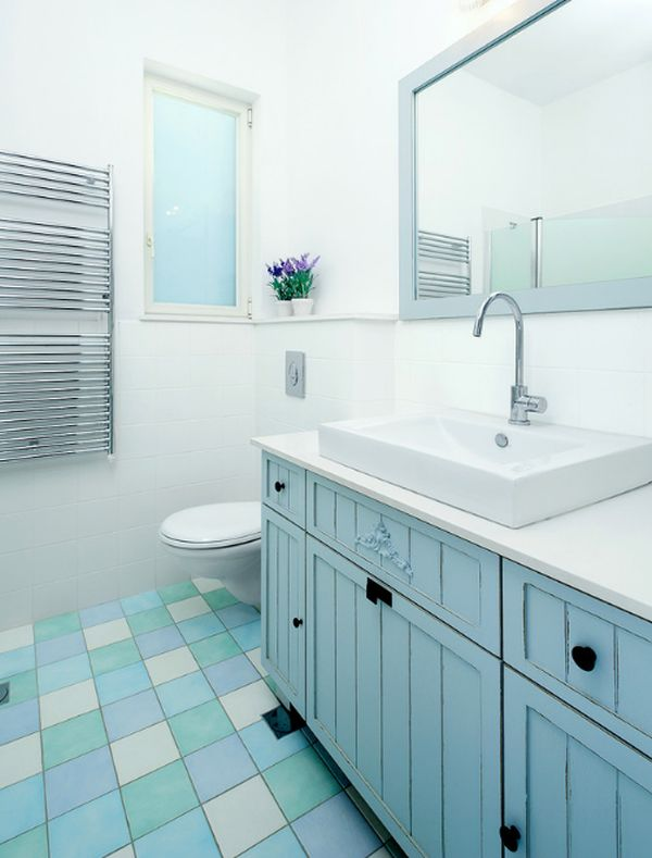 Colorful tiles give the bathroom a makeover