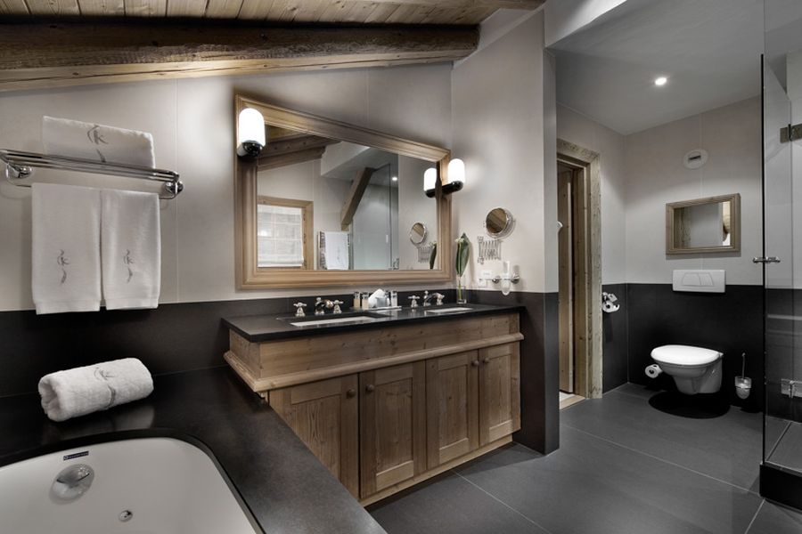 Contemporary bathroom at the Chalet Tsuga, Kilimandjaro Hotel