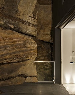 Contemporary ensuite bathroom design by Minosa Design