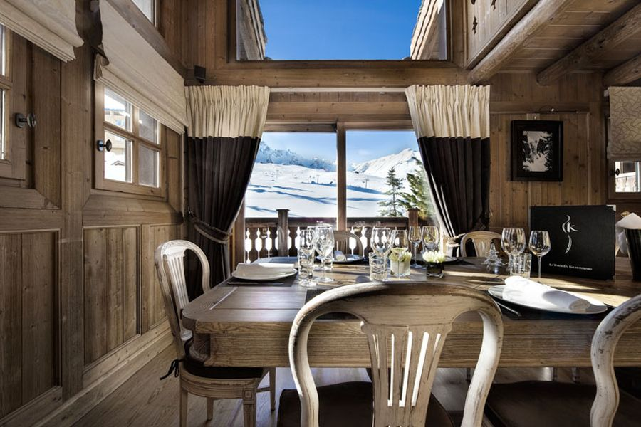 Dining room with a view of the Alpine slopes