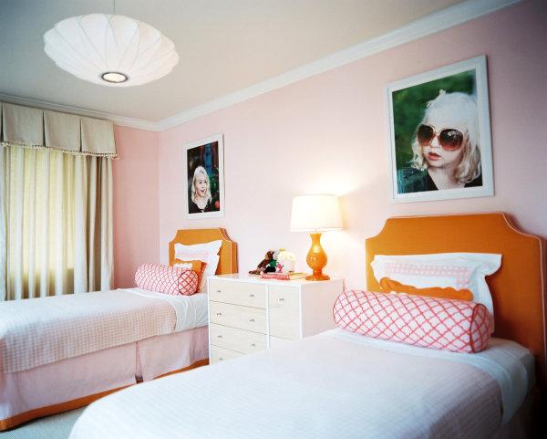 Elegant girls' room