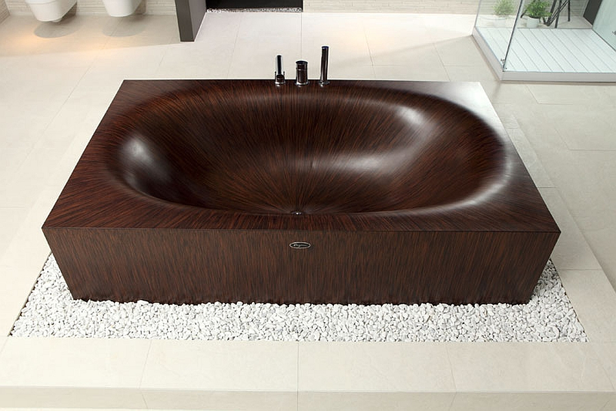 Elegant wooden Laguna bathtubs