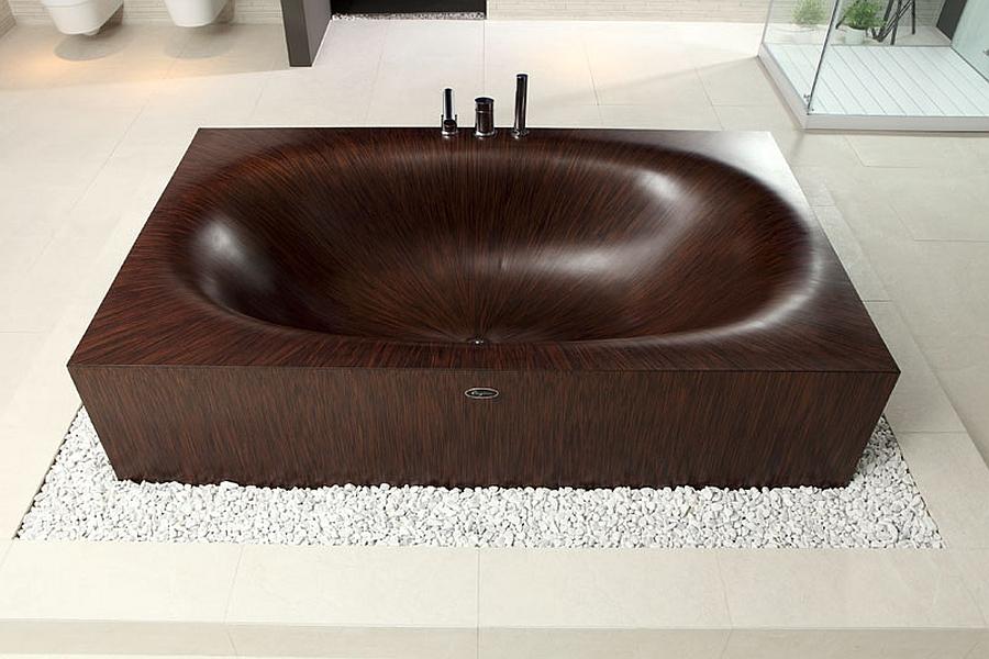 Elegant wooden Laguna bathtubs