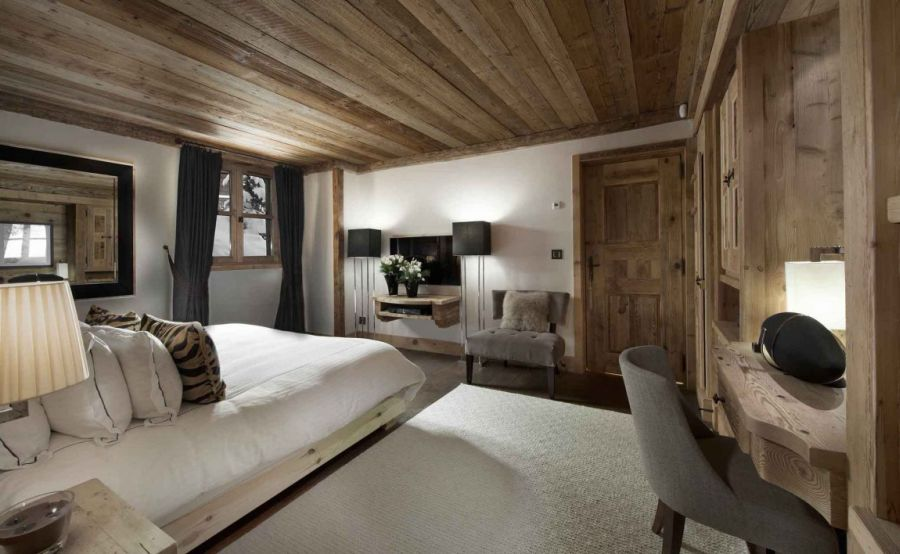 Enjoy the lovel ambiance inside the French holiday retreat