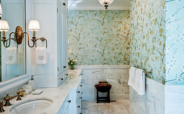 Floral wallpaper for a serene bathroom