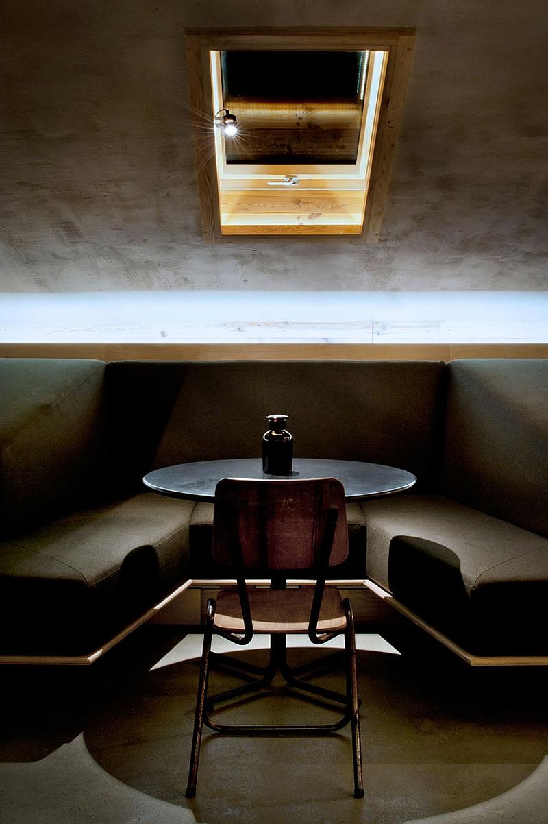 Focussed lighting inside the attic bar