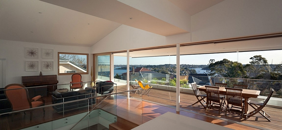 Glass walls offer unabated ocean views
