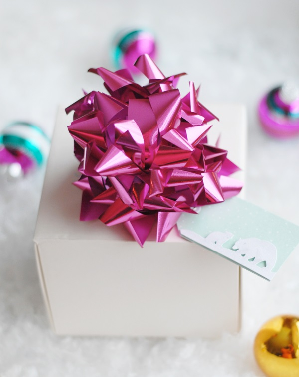 Holiday gift bow idea