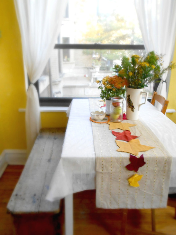 Festive diy table runners decor ideas - Table runner decoration ideas ...