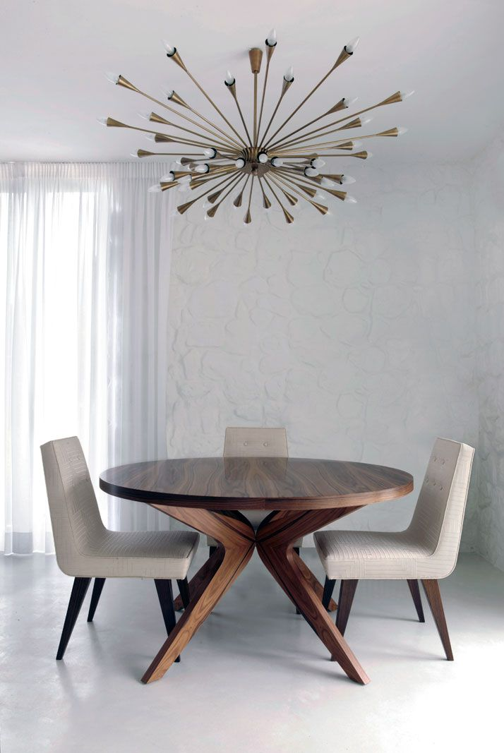 Imposing chandeliers that arent just for show view in gallery light 8 mozeypictures Images
