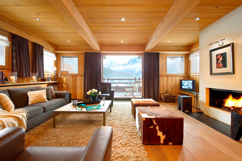 Luxurious living space of Chalet Emma