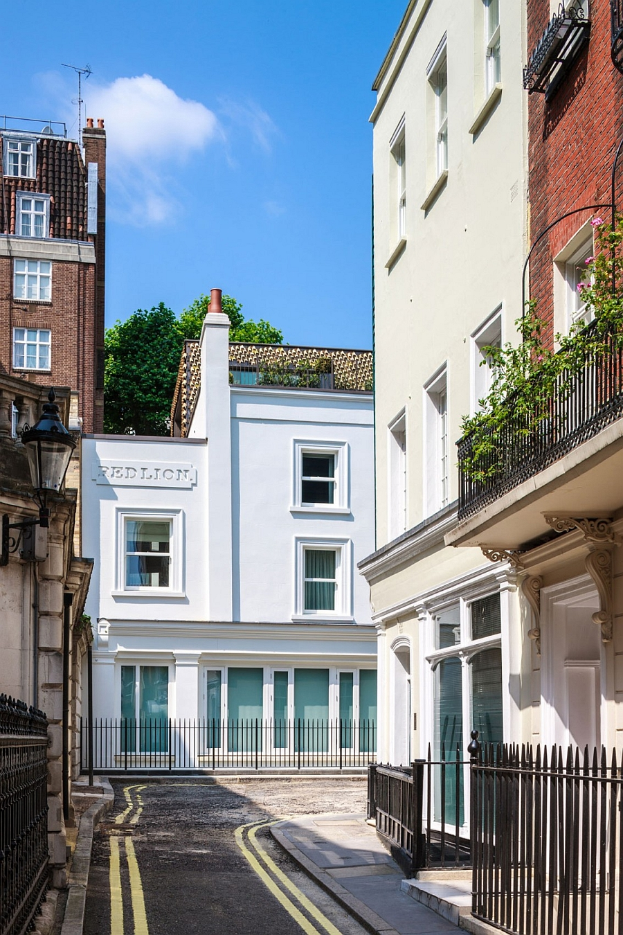 Mayfair House in Waverton Street London Elegant London Residence Dazzles With A Glittering Bronze Leaf Facade!