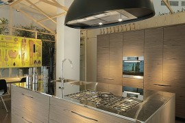 Sculptural Design And Stylish Slit Handles Shape Exquisite Pampa Kitchen