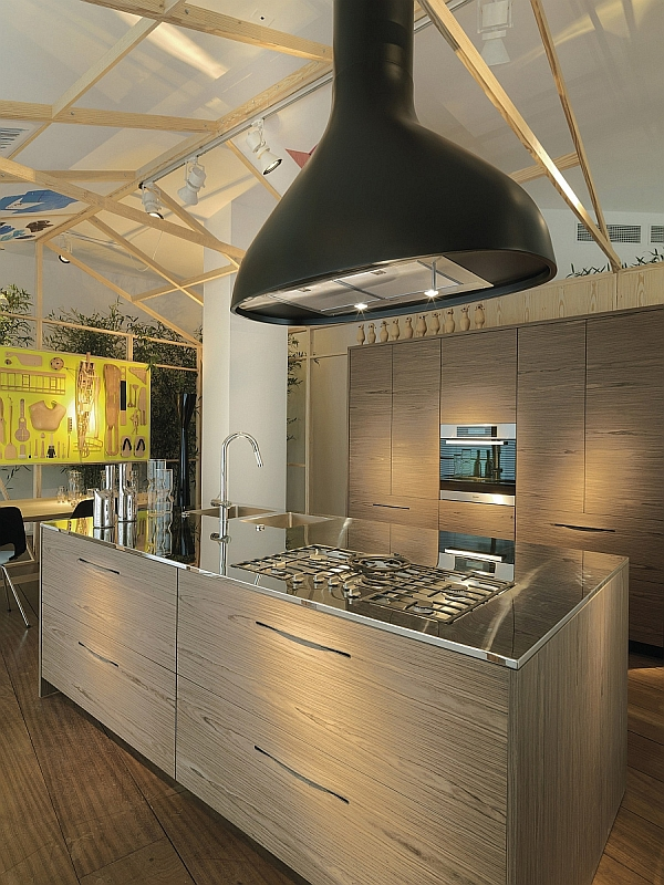 Modern Wooden Kitchen by Schiffini