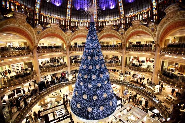 Paris Christmas tree The 20 Most Beautiful Christmas Trees in the World