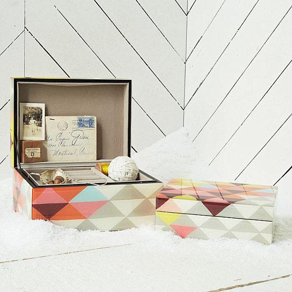Patterned jewelry box