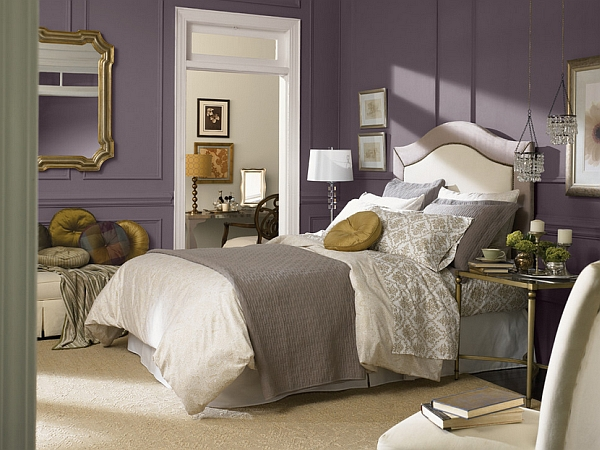 Purple is the picture-perfect color for a luxurious bedroom