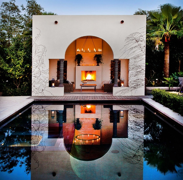 Reflecting pool mirrors the poolside cabana with picture-perfect precision!